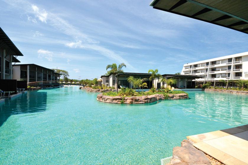 SkyCity-Casino-Pool-Darwin-Australia-3-sm